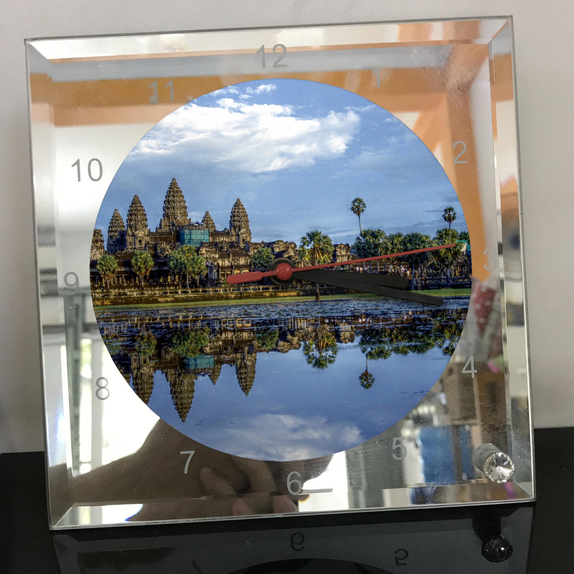 Đồng hồ thủy tinh vuông 20x20 in hình đền Angkor Wat (11) . Đồng hồ thủy tinh để bàn trang trí đẹp chủ đề tôn giáo