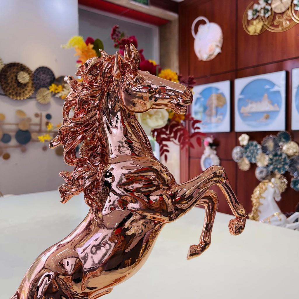 Tượng ngựa tung vó 46 - Chất liệu COMPOSITE cao cấp sơn mạ CROM chống bay màu