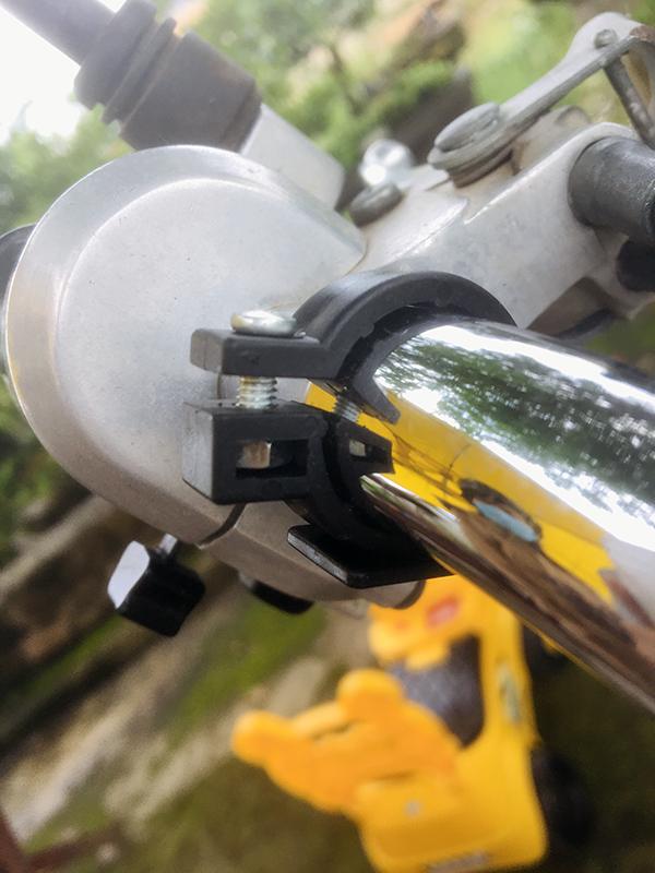 Bộ sạc điện thoại gắn trực tiếp cho xe máy