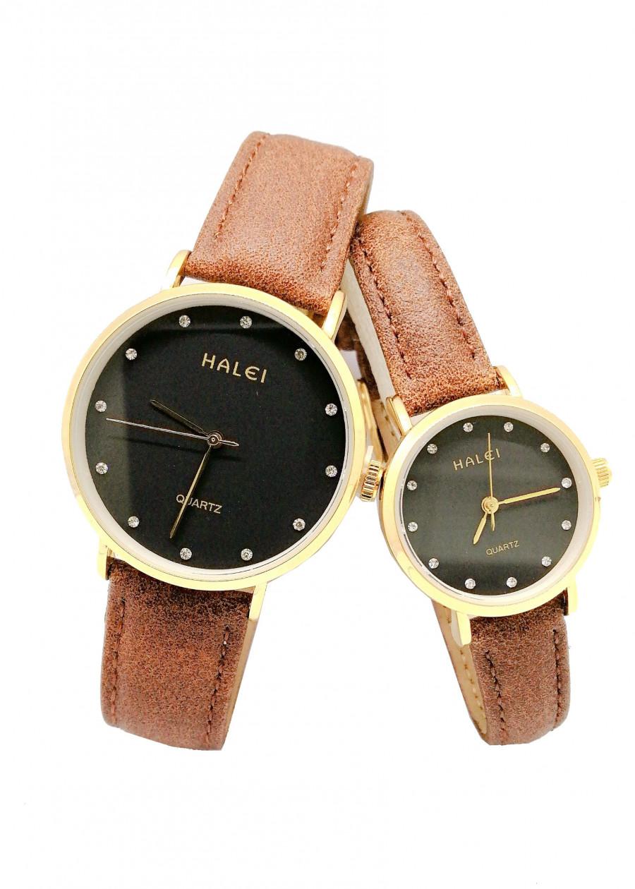 Cặp Đồng Hồ Nam Nữ Halei HL542 Dây da nâu  (Tặng pin Nhật sẵn trong đồng hồ + Móc Khóa gỗ Đồng hồ 888 y hình)