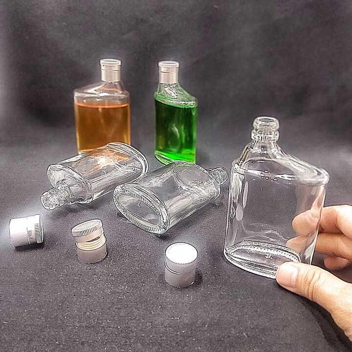 Chai Thủy Tinh Nhỏ Bỏ Túi 100ML (1 chai) mẫu Dẹt kiểu SỐ 6 nắp nhựa bạc - Chai đựng rươu Mini thiết kế độc đáo