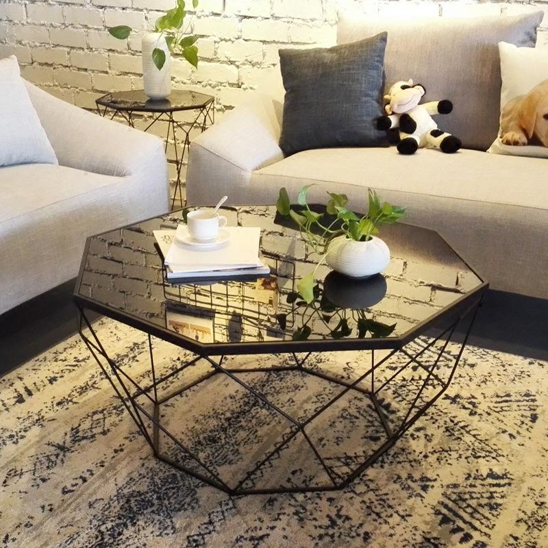 Bàn sofa kim cương mặt kính đen chân sắt sơn tĩnh điện đen 65x45 KNTSG