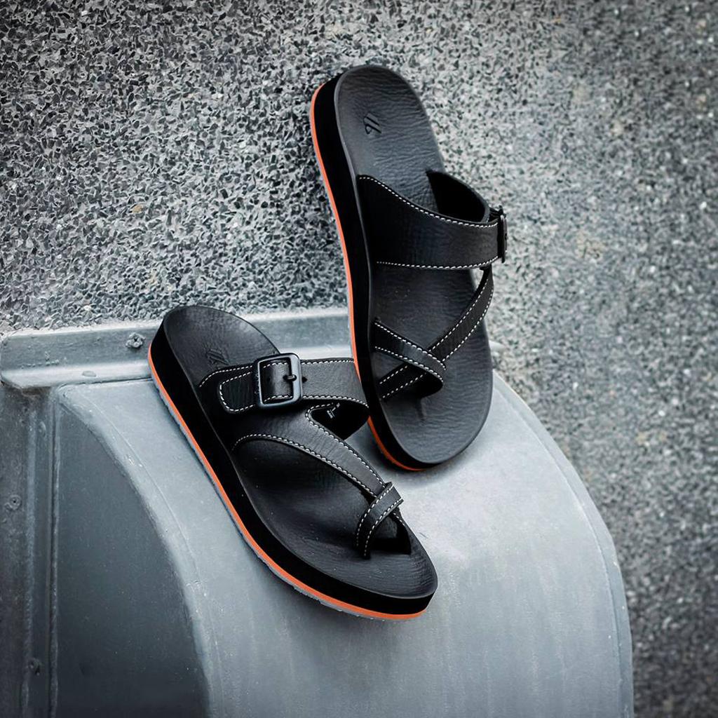 Dép Thái Lan nam xỏ ngón cao cấp model KitoStrange mềm êm chân cá tính, thiết kế lạ mắt thời trang đương đại AA51M-Black