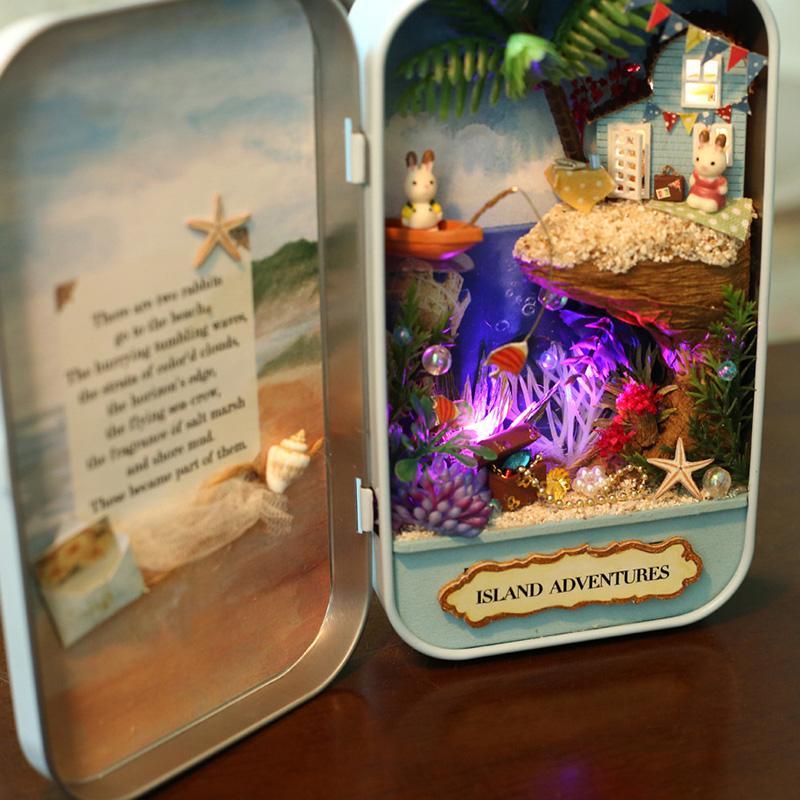 Mô hình nhà DIY Doll House Box Theatre Q001 - Q003 Kèm Đèn LED