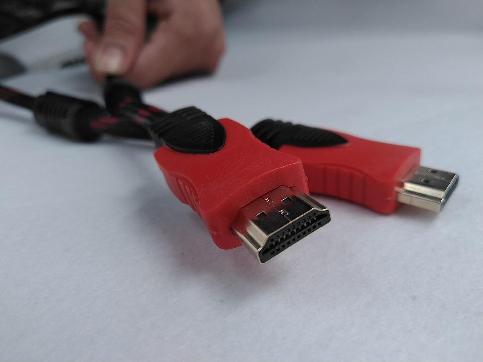 Dây cáp HDMI to HDMI dạng tròn, dài 1.5m bọc lưới, hai đầu chống nhiễu.