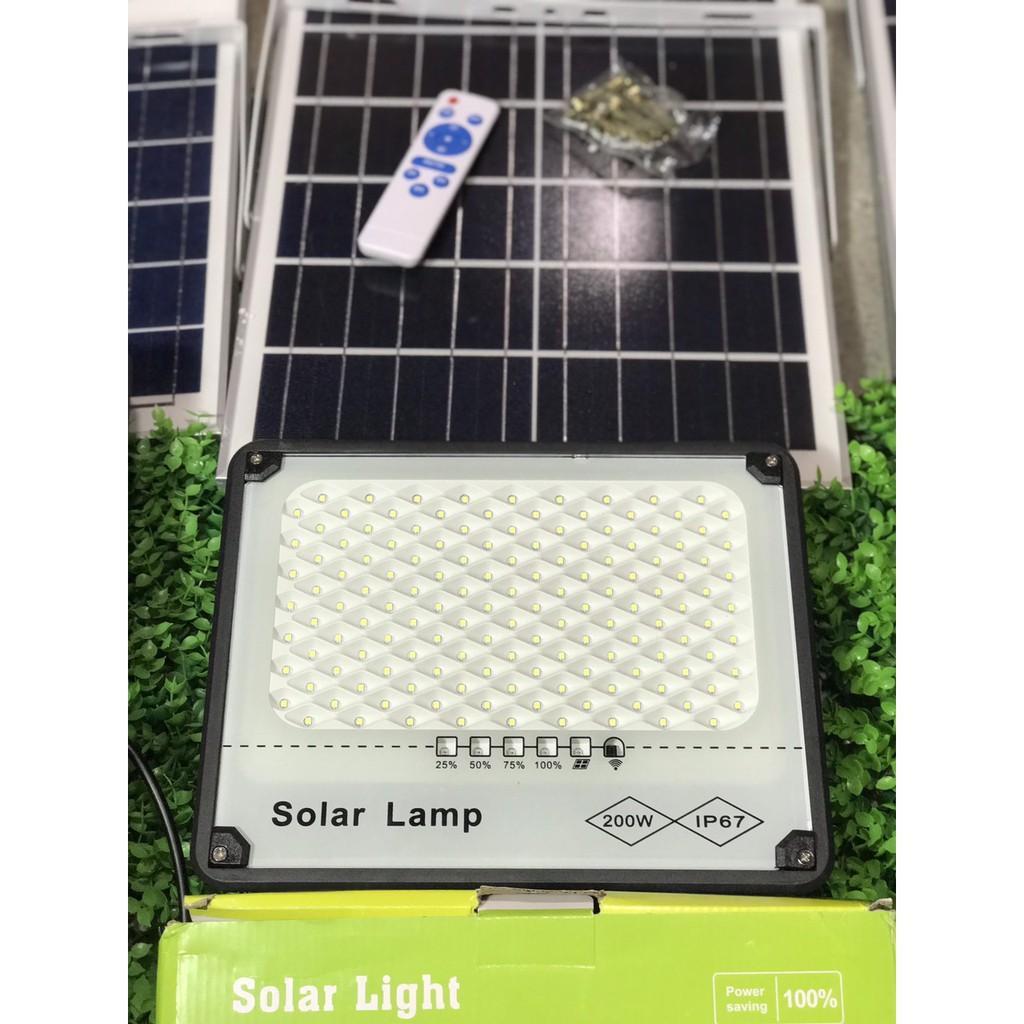 Đèn pha tổ ong chống lóa  năng lượng mặt trời 300W 200W 100W lắp trong nhà