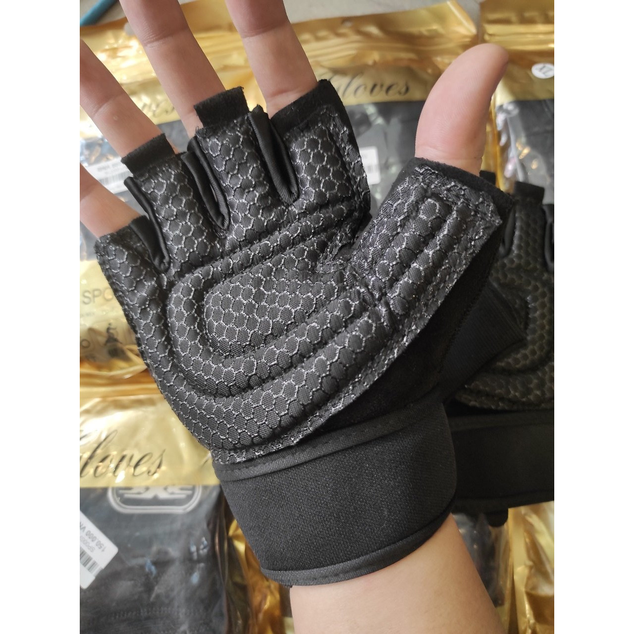 Găng tay Bao tay tập gym thể thao nam nữ, Găng tay nửa ngón Găng tay hở ngón có quấn mút đệm