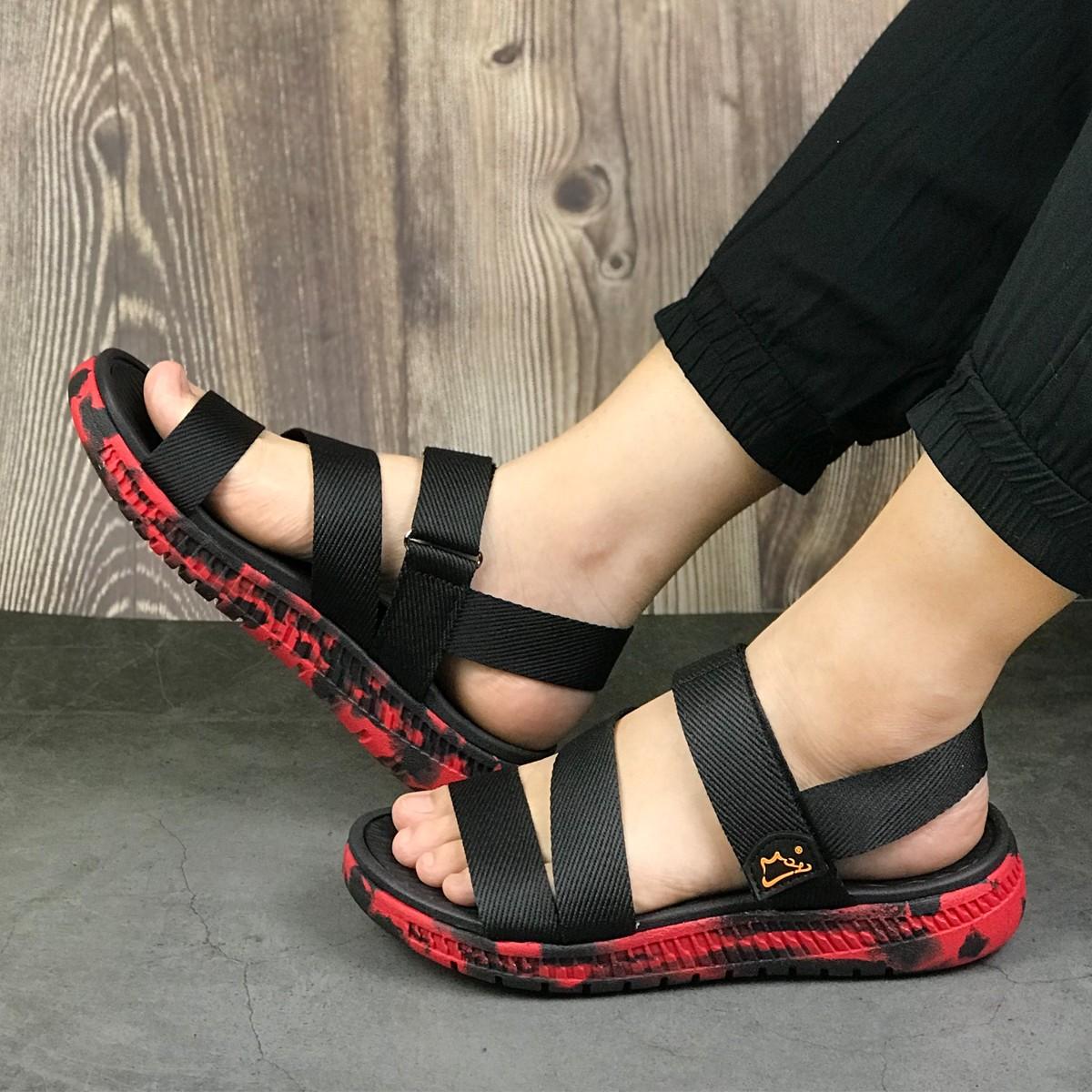 Giày sandal nữ siêu nhẹ hiệu MOL thích hợp mang đi học MS2B2