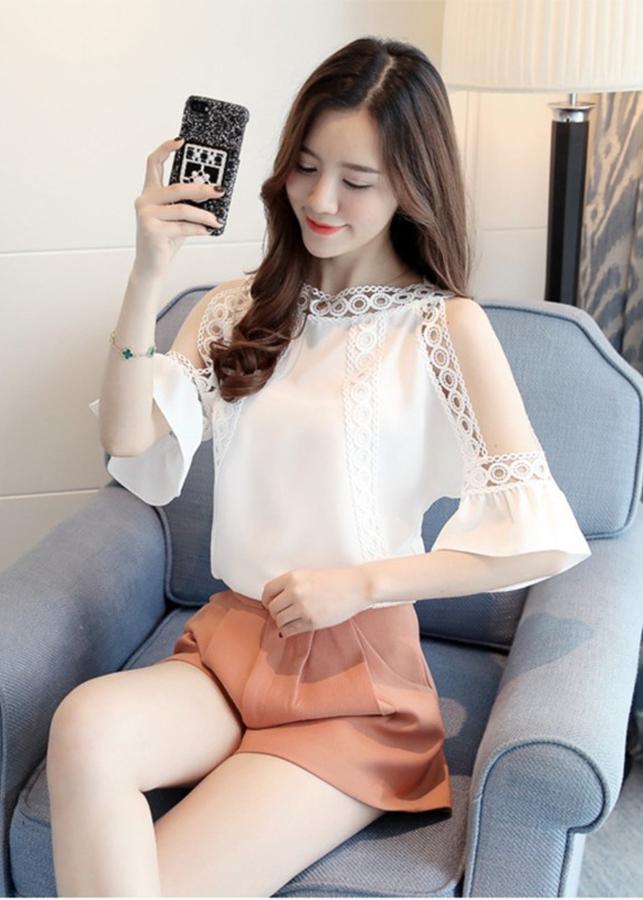Áo Kiểu Nữ Phối Ren Hở Vai Tay Loe BY6278