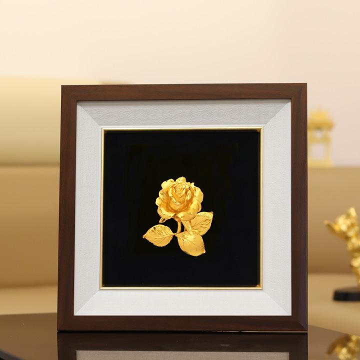 Tranh hoa hồng mạ vàng