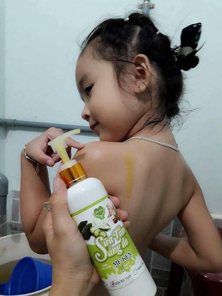 SỮA TẮM SÁNG DA THIÊN NHIÊN MẸ KEN 500ML Mẫu  Mới - Sữa tắm dưỡng ẩm, sáng da, chống lão hóa, giảm thâm da