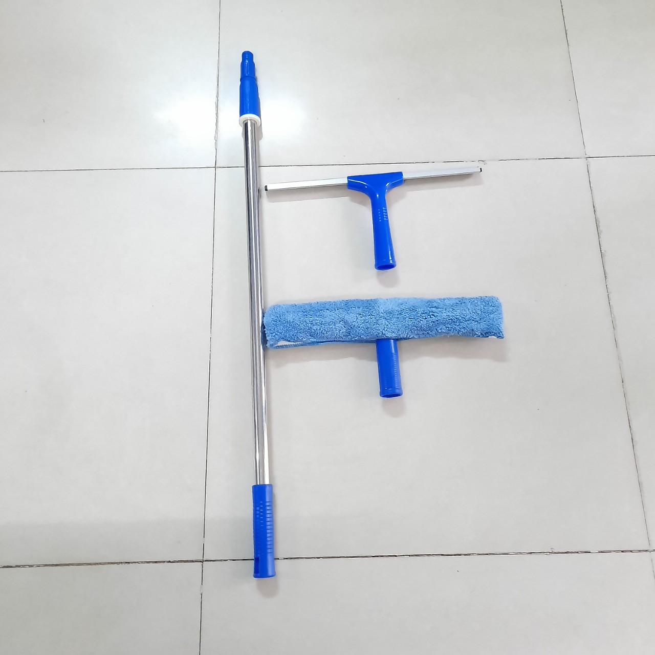 BỘ LAU KÍNH INOX CAO CẤP 1,3m, chuyên dùng cho gia đình- trường học, cây nối dài 1,3m thu gọn 0,85m,, tay gạt nước , tay lau bông thỏ xanh