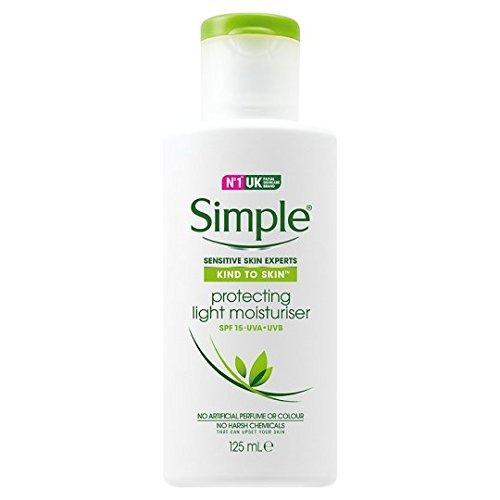 Kem dưỡng Simple Kind To Skin Hydrating Light Moisturizer SPF15 - Chống nắng 125ml