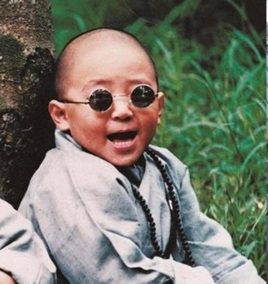 Kính râm mắt tròn trẻ em thầy bói siêu cute + Tặng Tuavit Kính xinh mini 2 đầu đa năng