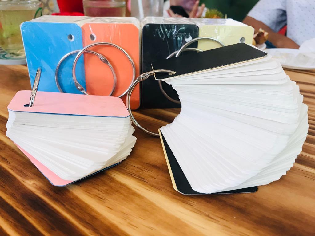 combo 5 bộ flashcard trắng ivory cao cấp 5x8cm TẶNG BÚT LÔNG DẦU CHUYEN VIẾT FLASHCARD, định lượng 350gsm  siêu dày bo góc siêu đẹp , Bộ Thẻ Ghi Nhớ 500 thẻ học từ vựng Anh Nhật Hàn Trung Đức Pháp bo góc siêu đẹp tặng kèm khoen + BÌA CỨNG 3D