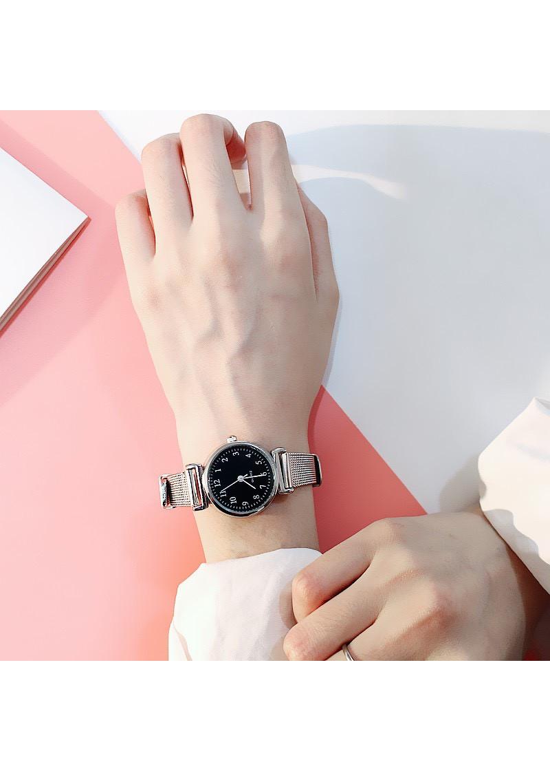 Đồng hồ nữ dây đeo hợp kim màu Titanium thời trang ZO70