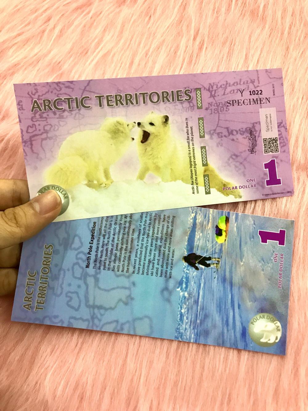 Tờ tiền lưu niệm Bắc Cực 1 đô polymer, quà tặng phong thủy, dùng để sưu tầm, quà tặng lì xì người tuổi Tuất - tặng kèm bao lì xì đỏ - The Merrick Mint