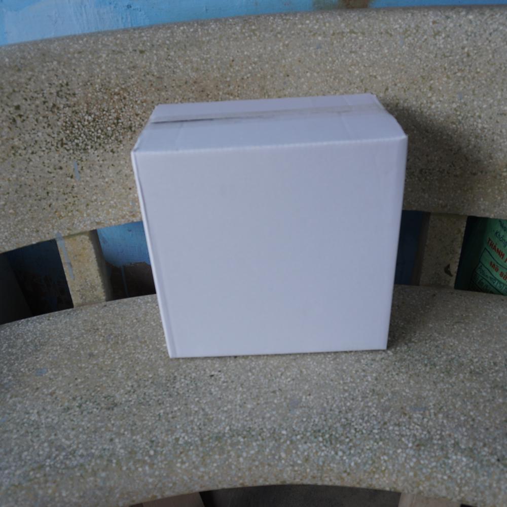 Thùng Carton Màu Trắng 32x32x20cm - Bộ 25 Thùng Cacton - Thích hợp đựng 10 Ván Sàn Gỗ, Vỉ Cỏ Nhân Tạo Và Các Sản Phẩm Hình Vuông Có Kích Thước Nhỏ Hơn 33cm