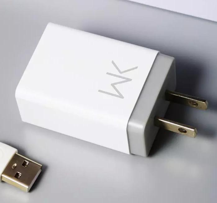 Củ Sạc Điện Thoại Remax  WP-U52 + Tặng Kèm Cáp Sạc IPhone, IPad - Hàng Chính Hãng