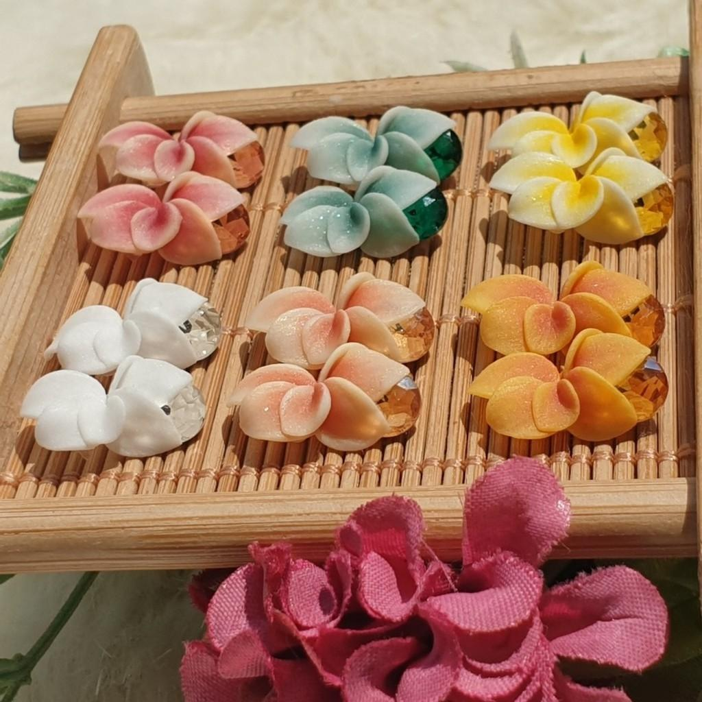 Hoa ly ôm đá - Hoa bột đính móng BYH021