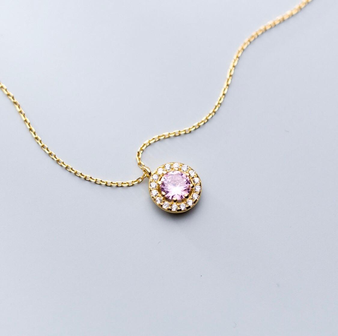 Đồng hồ nữ (Tặng lắc tay và dây chuyền đeo cổ )