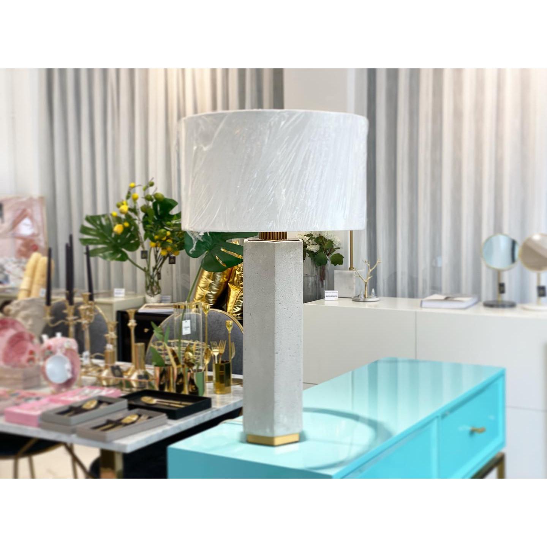 Đèn ngủ màu trắng - CEMENT STYLE LAMP