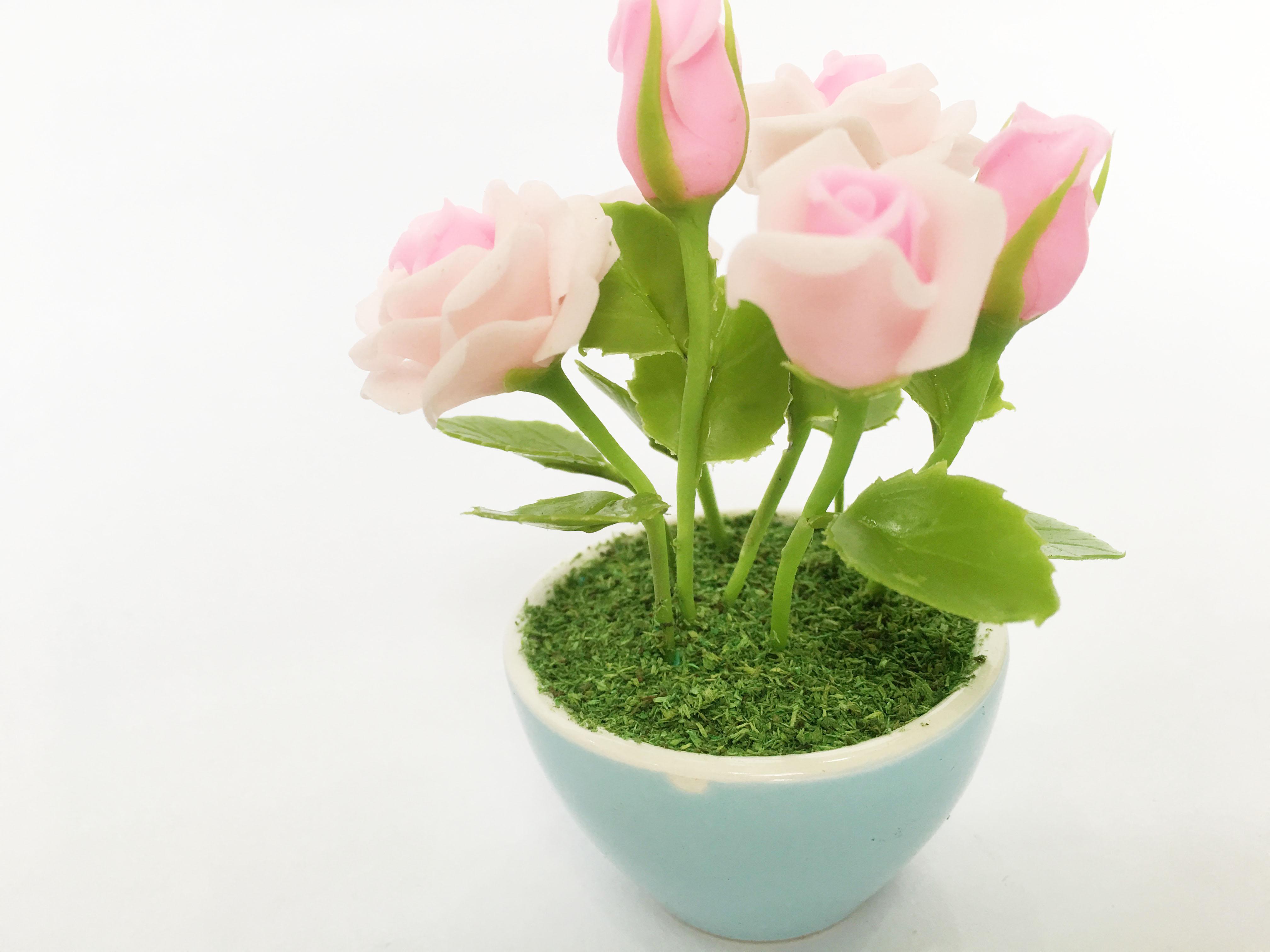 Chậu hoa đất sét mini - Bụi hoa hồng trong cốc sứ (phát màu ngẫu nhiên) - Quà tặng trang trí handmade