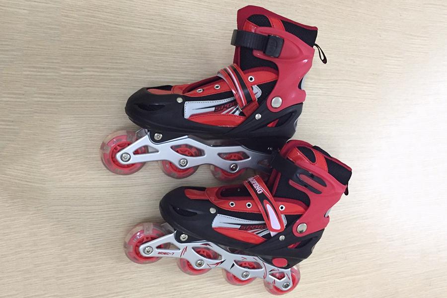 Giày Trượt Patin MacBuy Gắn Đinh Phát Sáng Cao Cấp (Size L)
