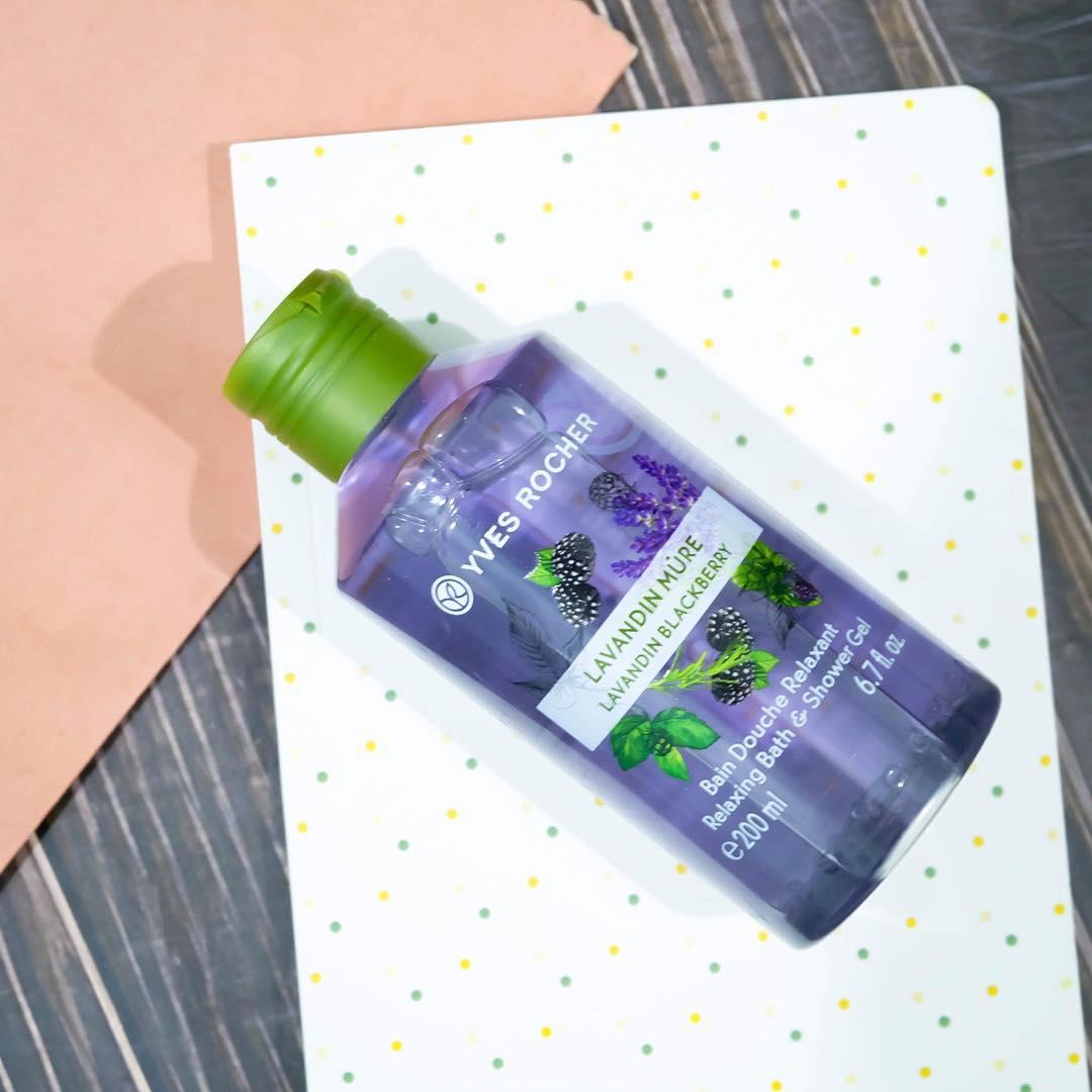 Sữa Tắm Dưỡng Da Hương Lavender Yves Rocher Lavandin Blackberry Relaxing Bath And Shower Gel (400ml)