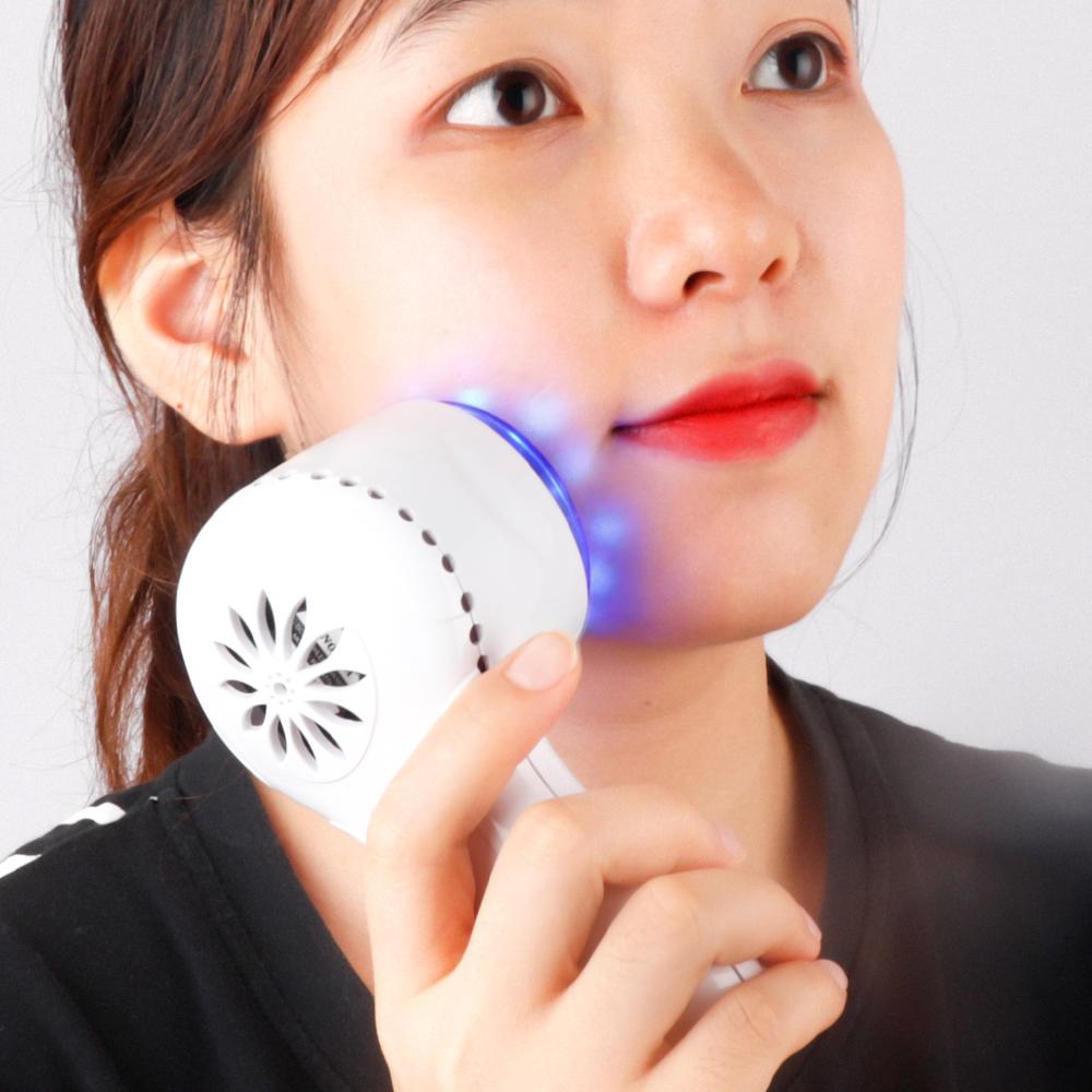 Búa lạnh  massage trị mụn , máy di chất  D777 ( đi kèm 1 bút massage mắt ) hàng  nhập khẩu
