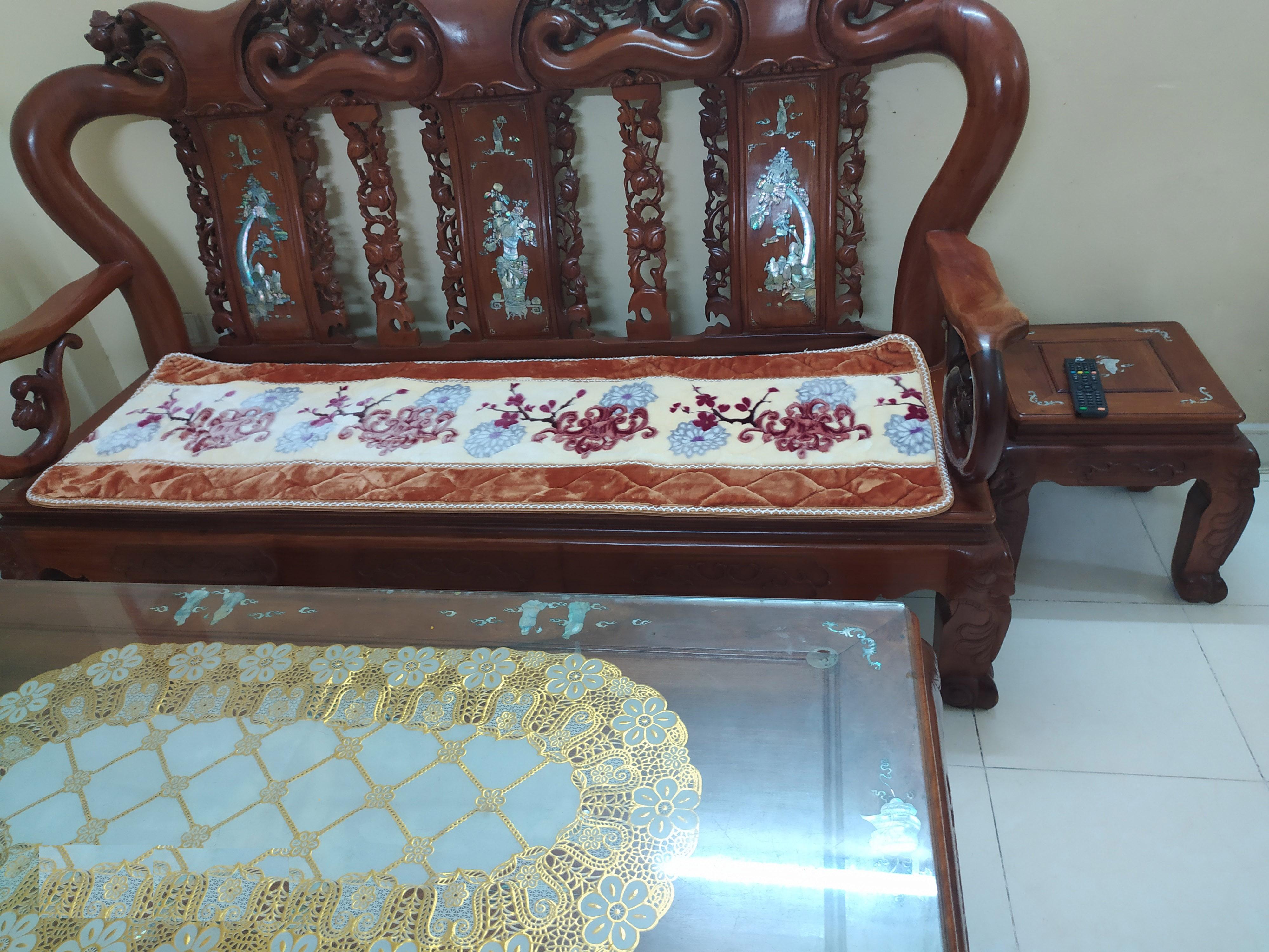 Bộ thảm ghế salong 3 miếng lông nhung tuyết dày 2cm( 1 miếng dùng cho ghế dài; 2 miếng dùng cho ghế vuông) tông màu vàng