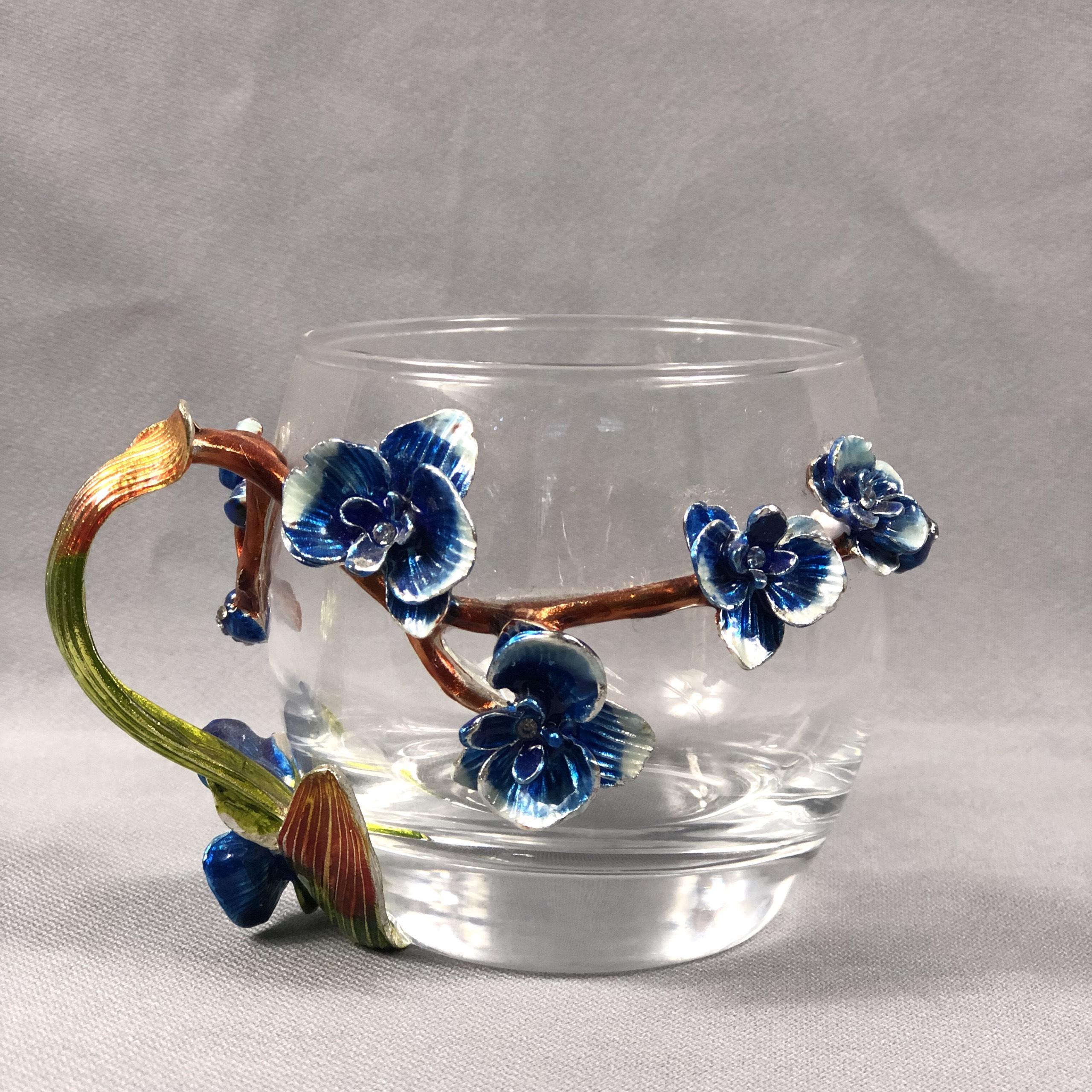 Ly thủy tinh đính nỗi hoa hồng xanh