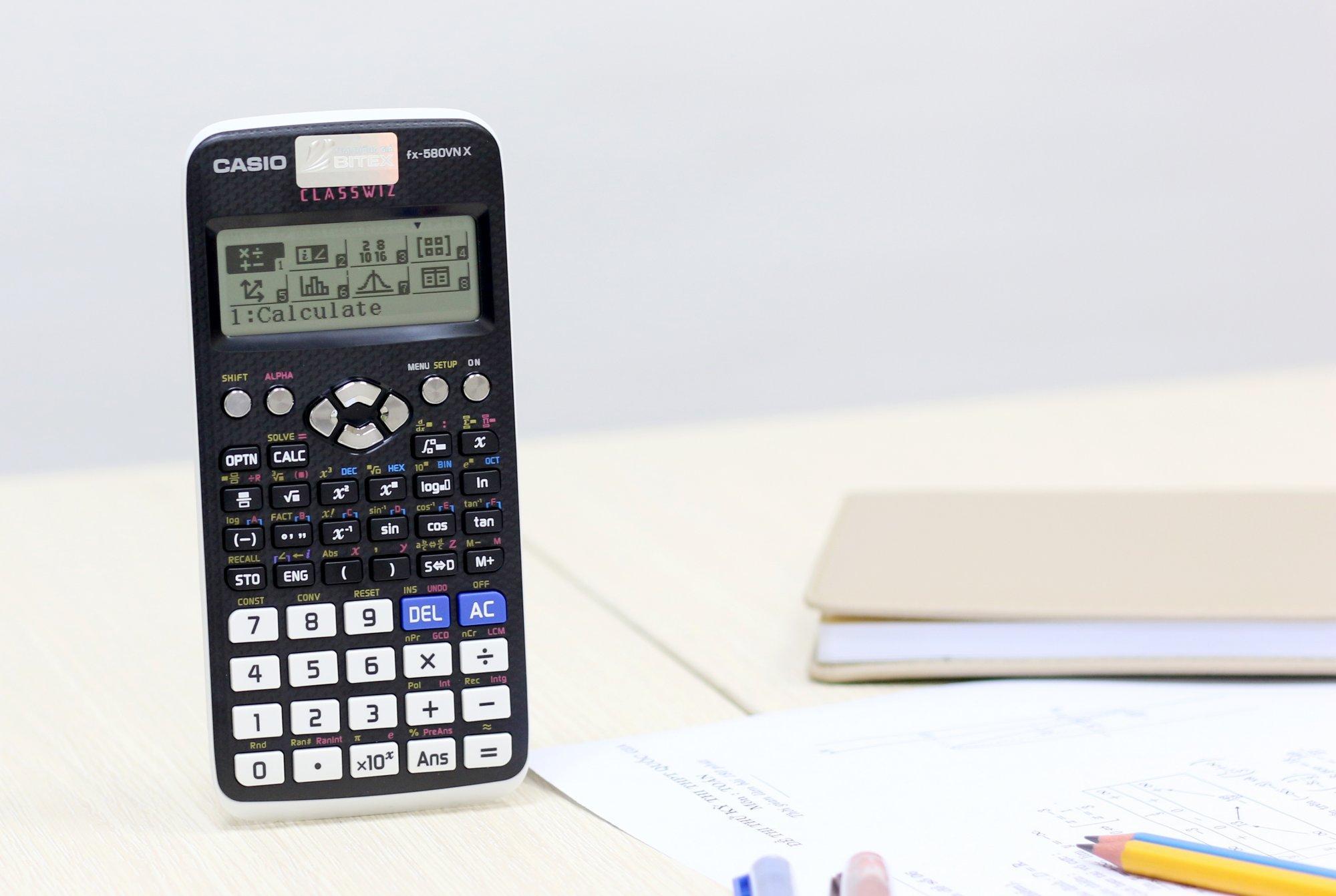 Máy tính Casio FX-580VN - Khuyến mại 02 cây bút bi