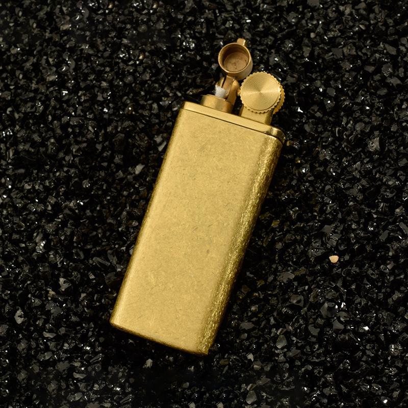 Bật Lửa Xăng Đá Màu Vàng Vân Xước  Sang Trọng