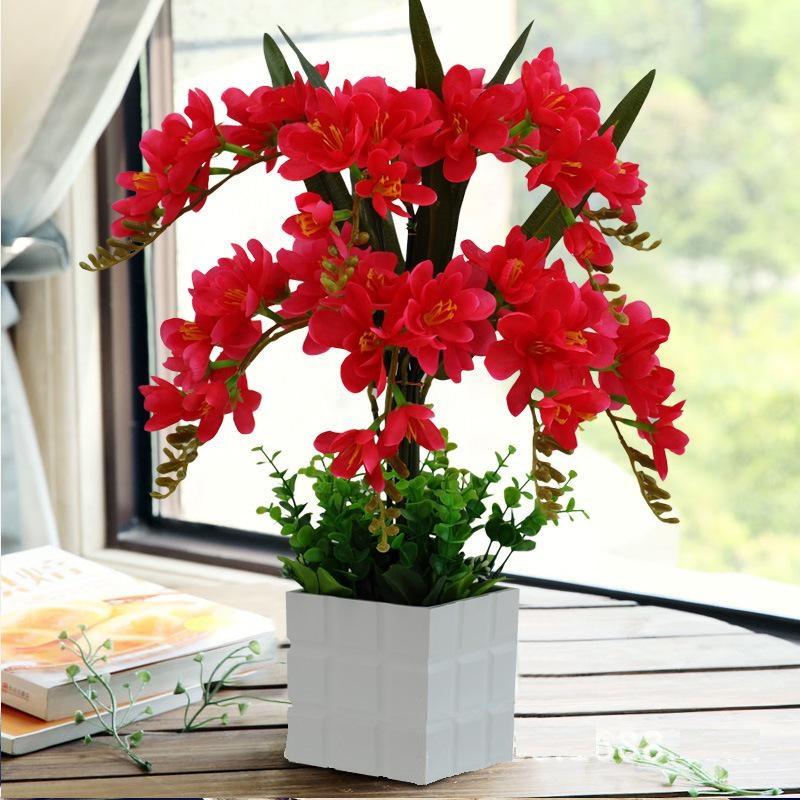 Chậu hoa phong lan lụa trang trí nội thất sang trọng