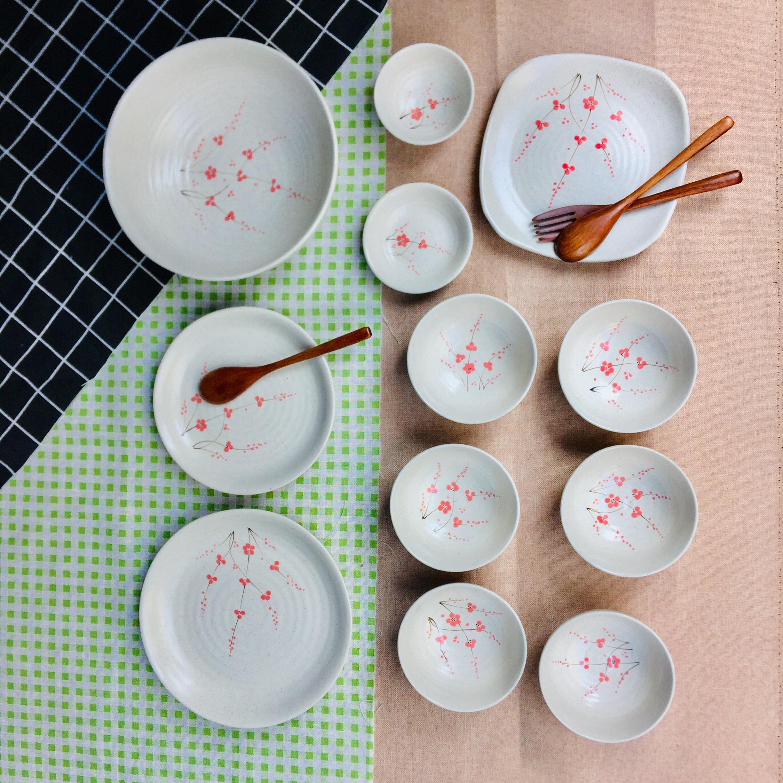 Bộ bát đĩa gốm sứ cao cấp gấm vẽ đào đỏ 12 sản phẩm