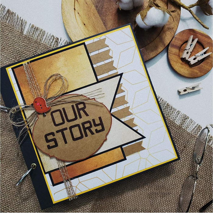 Scrapbook Our Story (20 Trang)