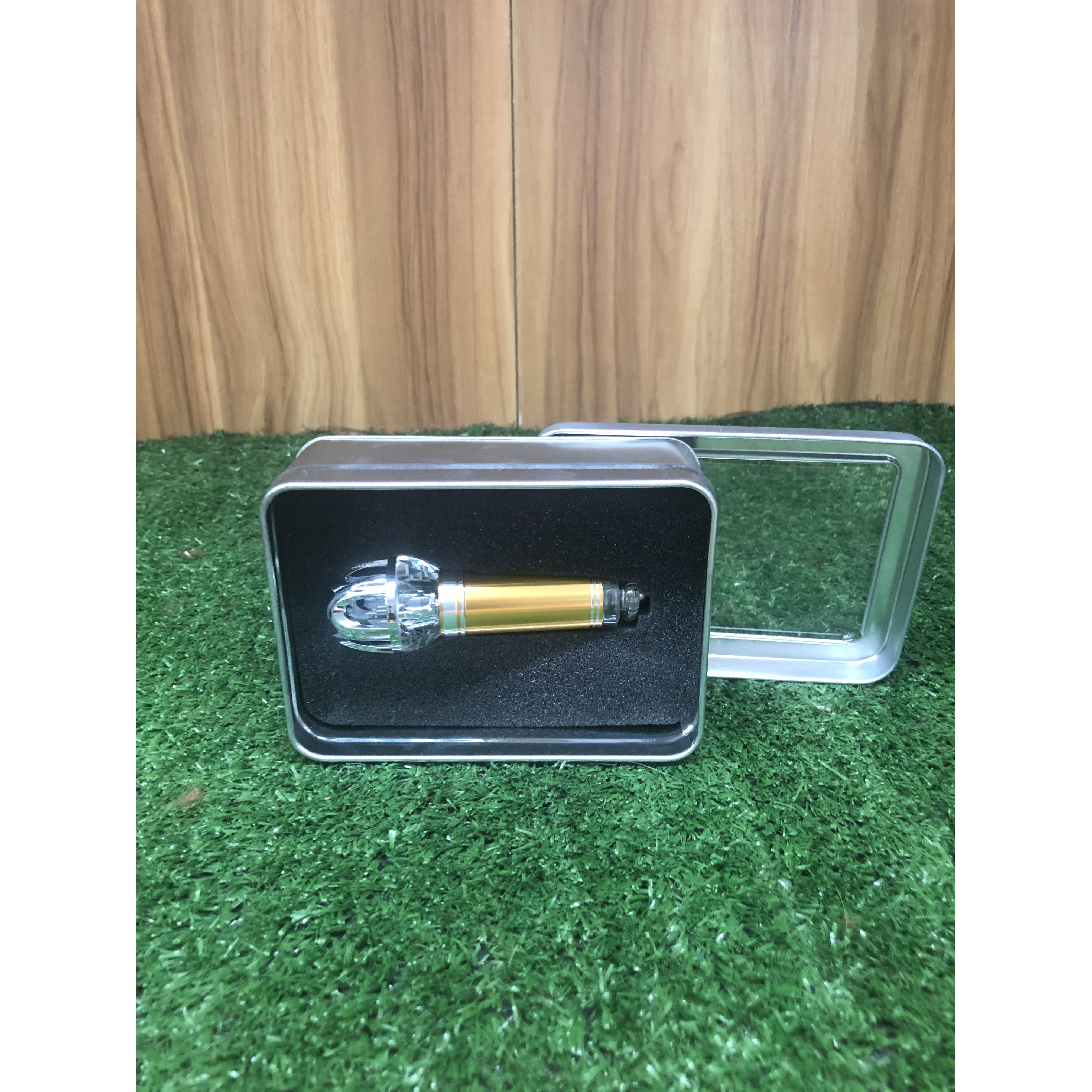 Thiết Bị Khử Mùi hôi, thuốc lá, Lọc Không Khí Xe Hơi Công Nghệ IONIZER Ozone Ion Cleaner 12V
