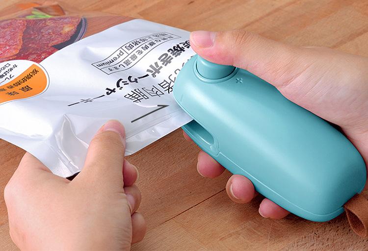 Máy hàn miệng túi nilon cầm tay cao cấp  (Tặng kèm 3 móc dán siêu chắc)