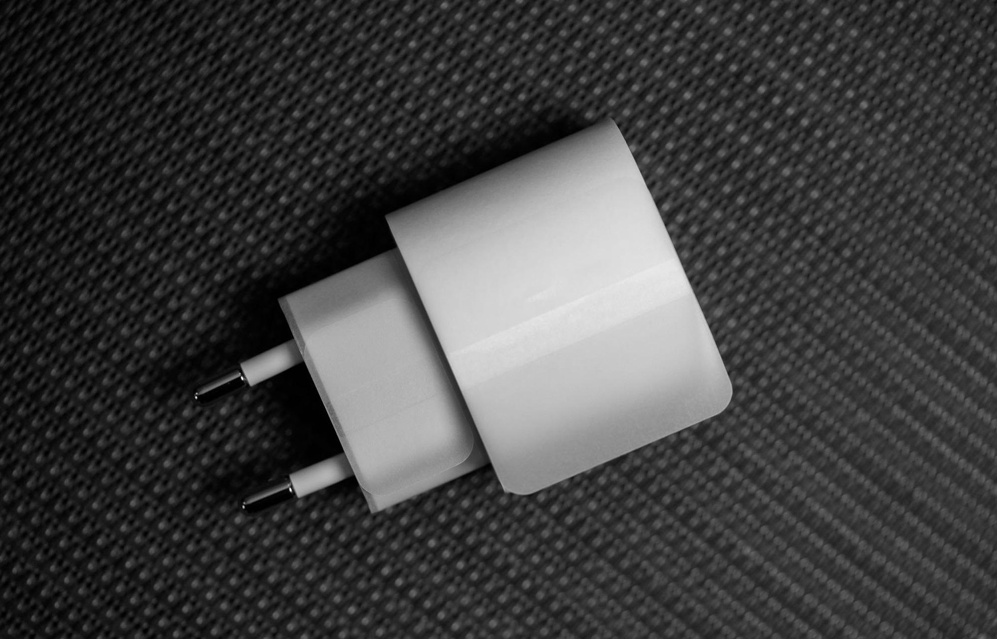 Adapter Củ sạc nhanh 20W PD chân tròn sạc siêu nhanh cho Iphone 12, Ipad