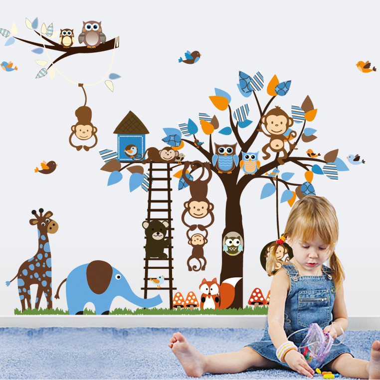 Decal dán tường Vườn thú xanh dương AmyShop DB042 ( 95 x 186 cm)