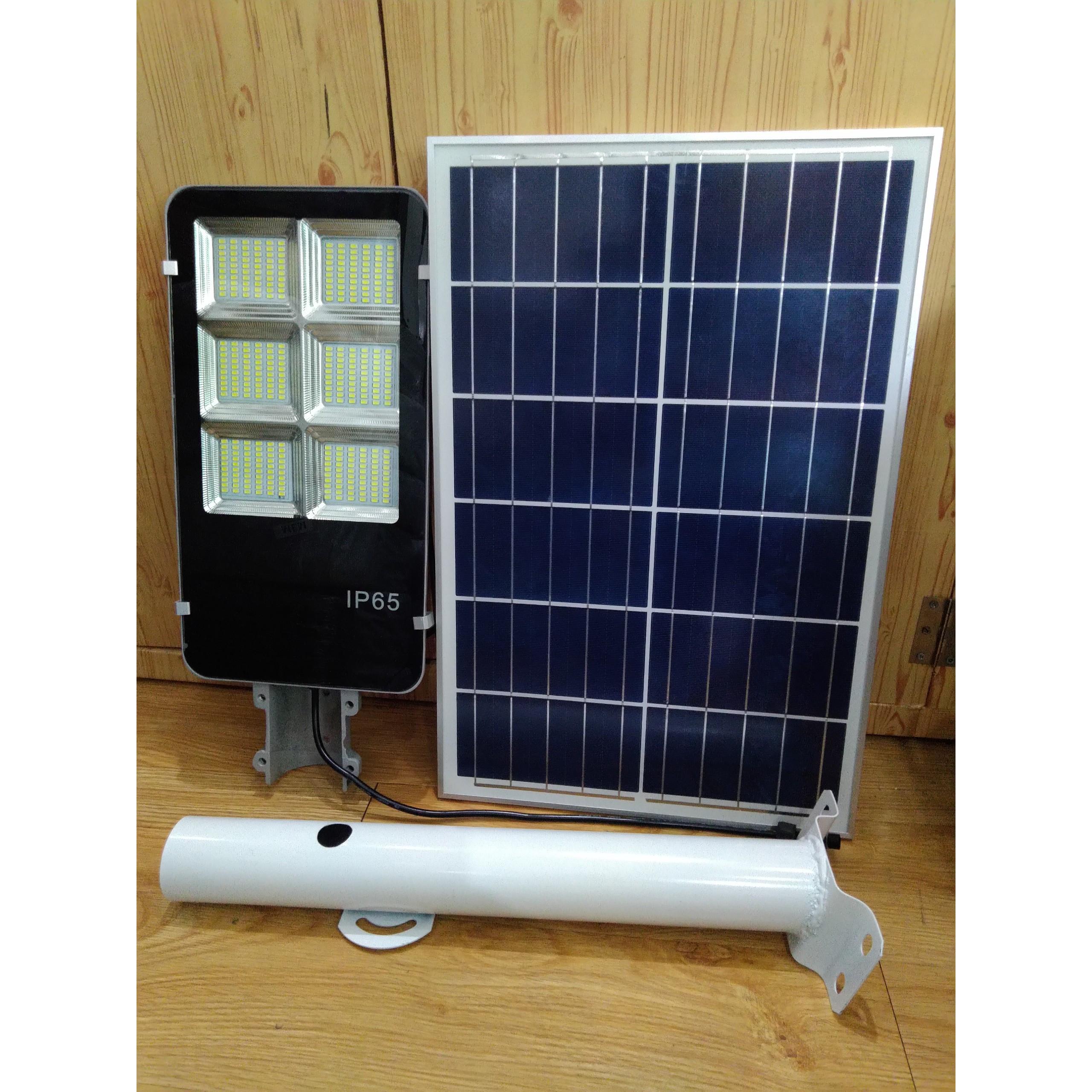 Led đèn đường 100W sử dụng điện năng lượng mặt trời