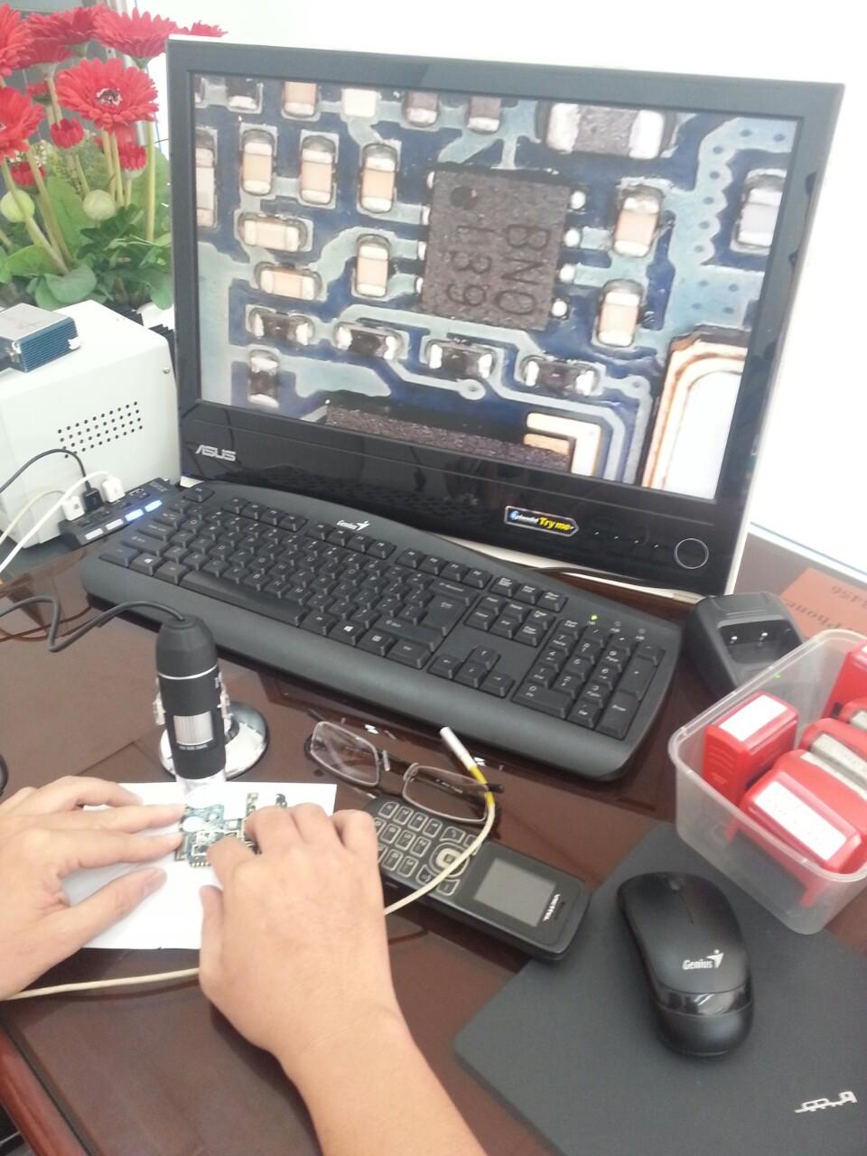 Kính hiển vi kết nối trực tiếp LCD qua cổng USB