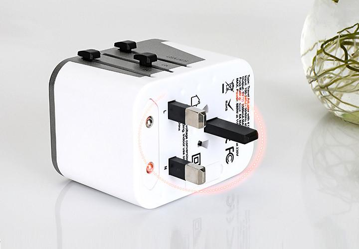 Ổ cắm điện đa năng quốc tế WT tích hợp nhiều chân cắm ( Tặng kèm 01 bóng đèn tiết kiệm điện cắm cổng USB màu ngẫu nhiên )