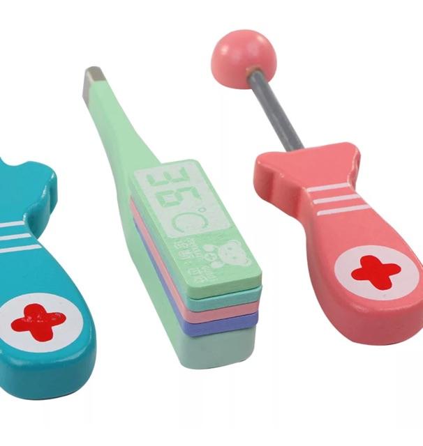 Bộ đồ chơi bác sĩ bằng gỗ