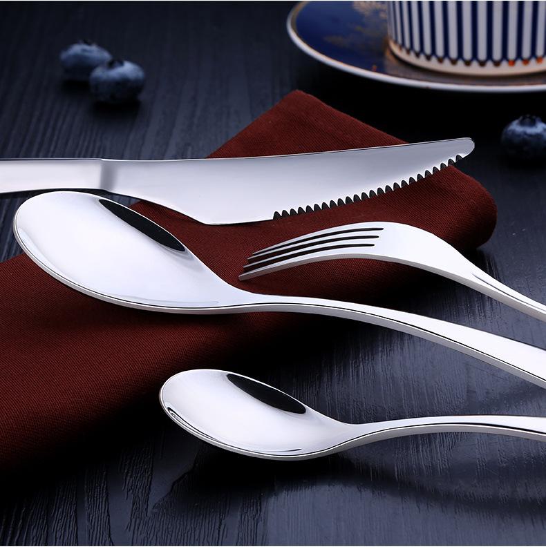 Bộ thìa dao dĩa bằng Inox không gỉ có hộp đựng đẹp mắt IN39