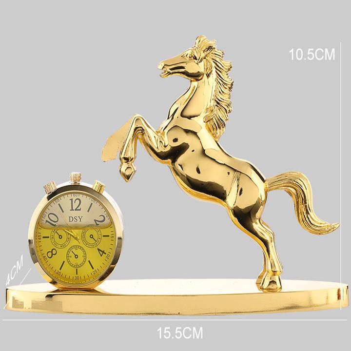 Tượng ngựa mạ vàng kiêm đồng hồ nước hoa cao cấp trên ô tô, xe hơi A72528