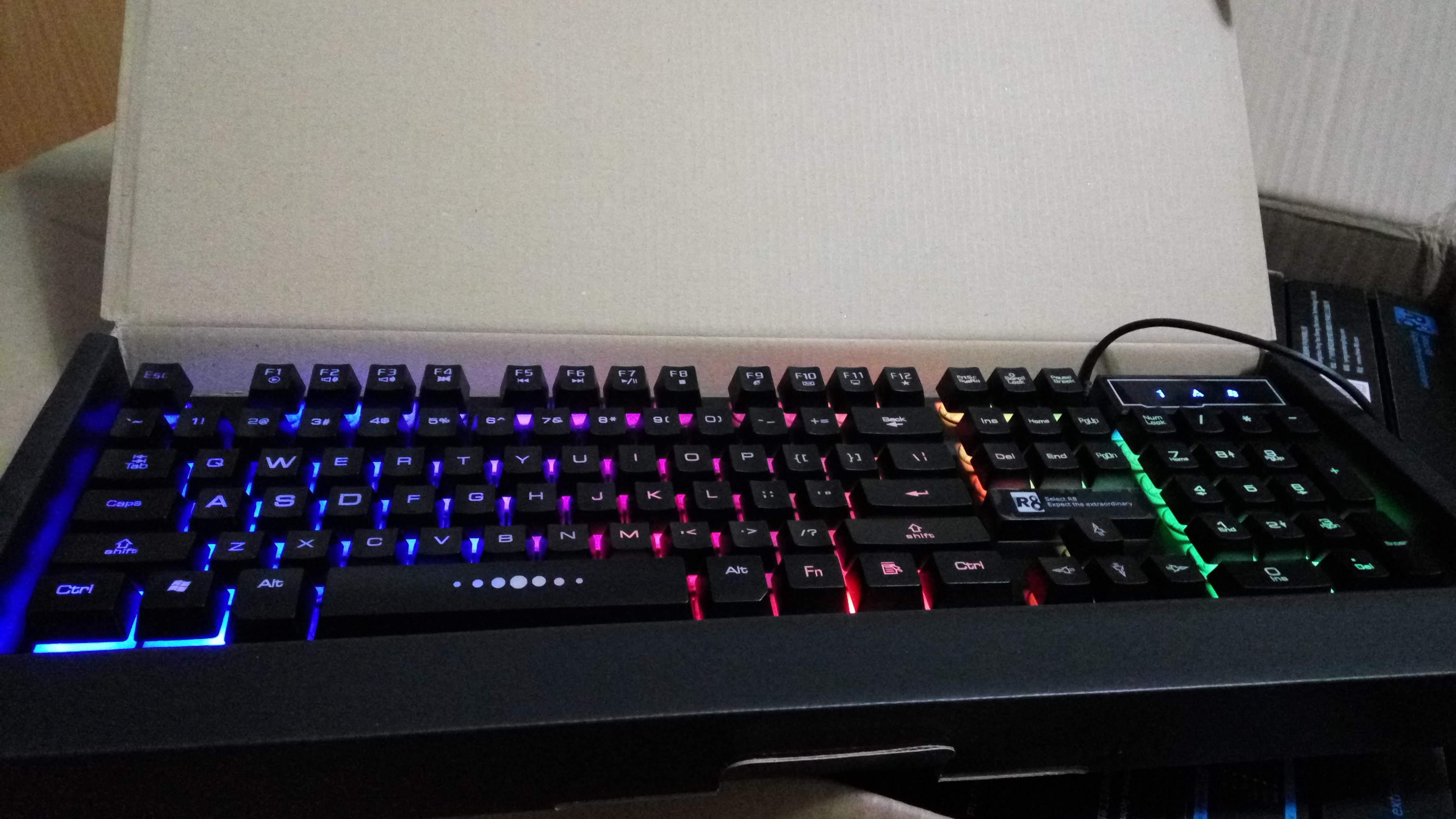 Bộ bàn phím giả cơ R8 1822 + Chuột R8 1602 và Tai Nghe Led EX + Tặng Kèm Lót Chuột - Hàng Nhập Khẩu