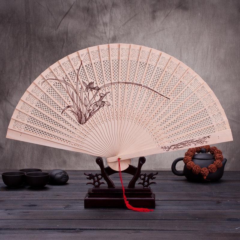 Quạt gỗ thơm cổ phong dây tuyến lá liễu ven hồ nan trúc cầm tay gập gọn dây tuyến cosplay tặng ảnh thiết kế Vcone