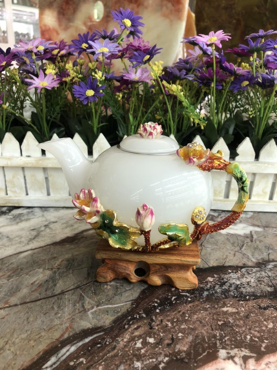 Bộ ấm trà chạm khắc hoa sen đá bạch ngọc